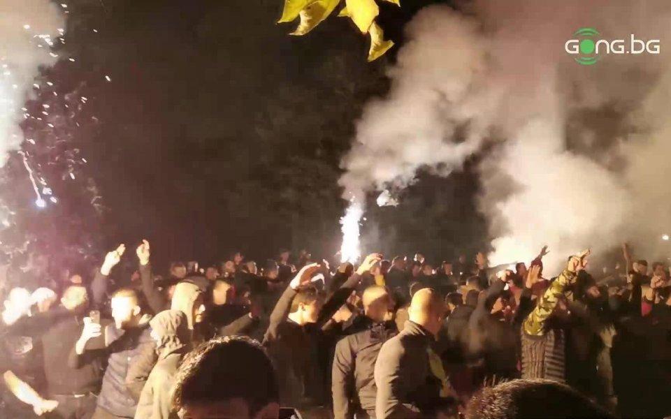 Делириумът, който запалянковците на ЦСКА изпитаха след двете попадения на