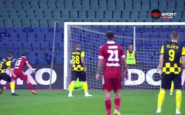 Пети гол във вратата на Ботев Пловдив