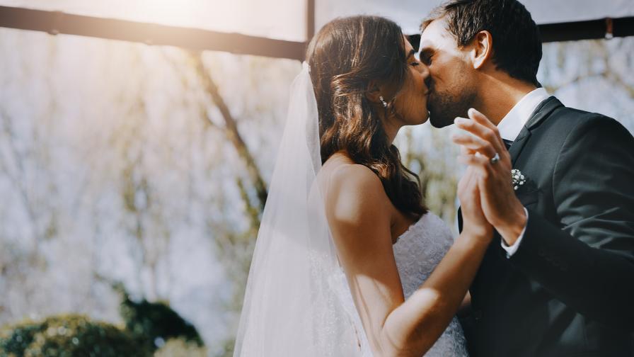 Песента за първия брачен танц на звездите