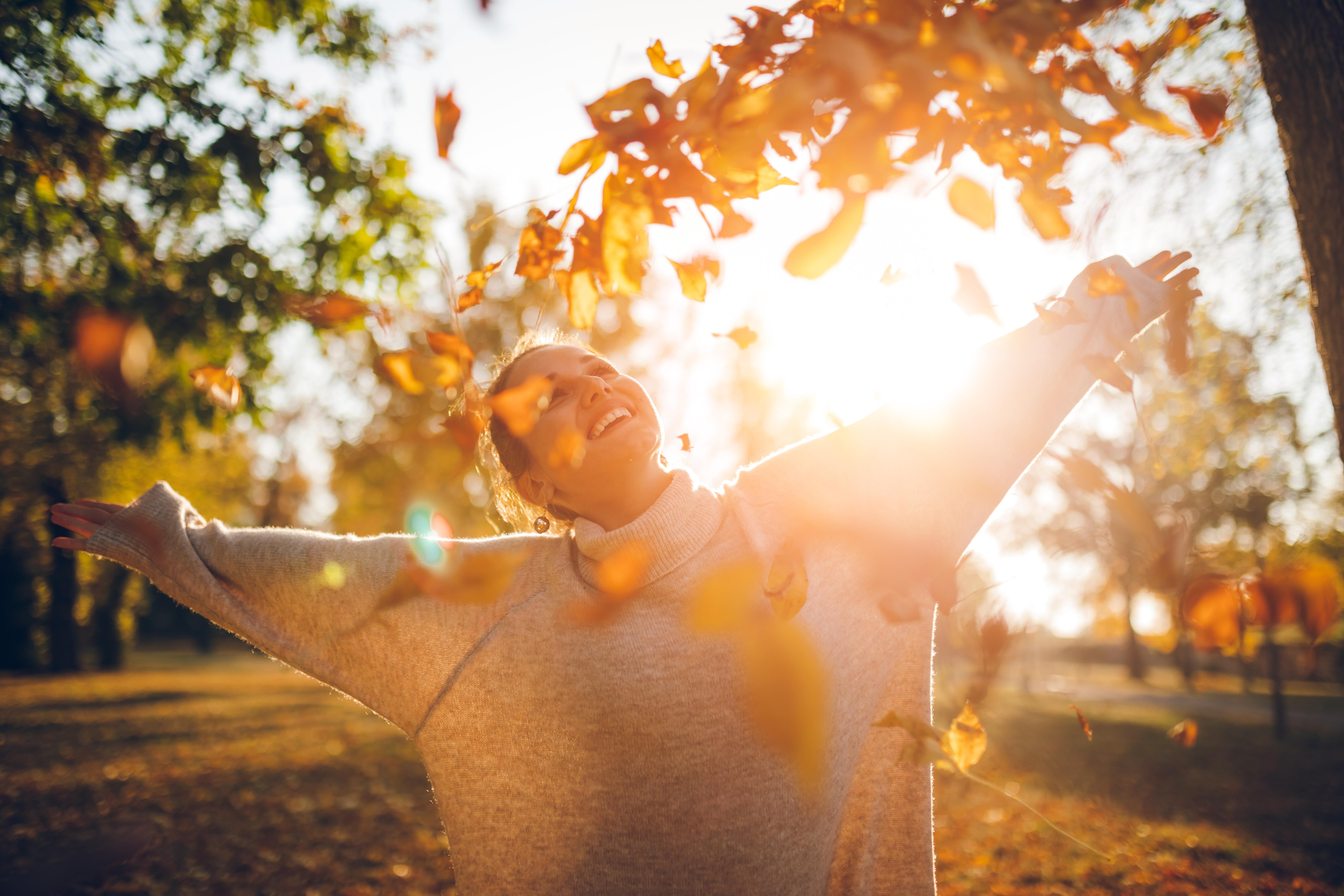 <p><strong>ВЕЗНИ</strong><br /> Всеки ден е страхотен с вас! Не позволявайте на негативите да ви пречат, докато прегръщате сезона си. Поддържайте настроението си положително, а усмивката си &nbsp;голяма.</p>