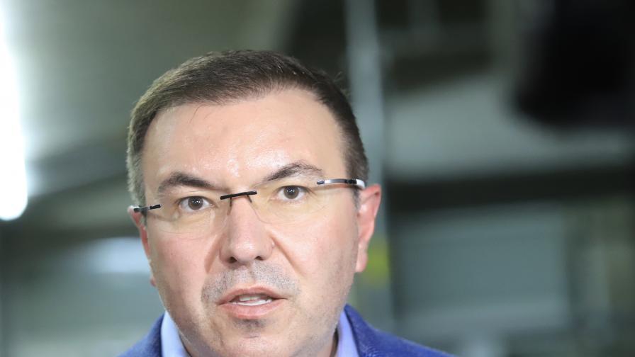 Ангелов: Навлизаме в сериозна фаза на епидемията, имаме нужда от помощ