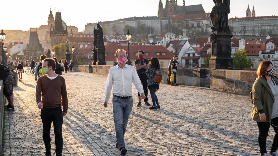 Covid- 19: Чехия затваря магазини и ограничава движението