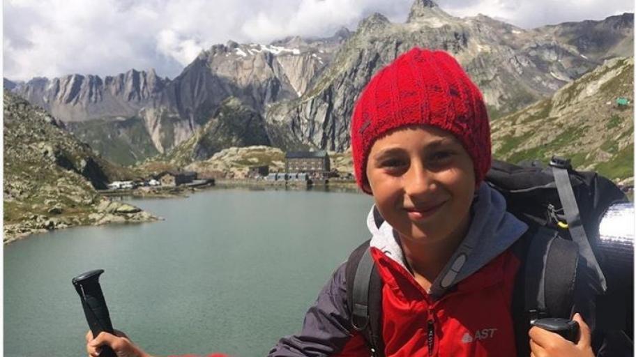 Вълнуващата история на едно 11-годишно момче, което извървя 2800 км, за да види баба си