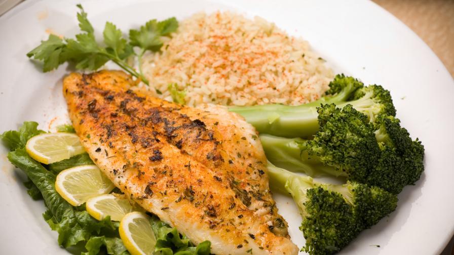 Да разнообразим менюто си: Поширана бяла риба в бадемово мляко