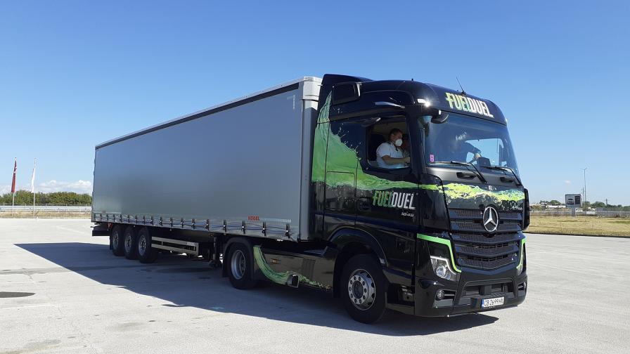 Във Вюрт (Германия) се намира най-големият завод за тежкотоварни камиони в света. От него излизат около 110 000 камиона годишно, като в най-натоварените дни дневният капацитет достига 400 броя.