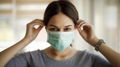 Учени откриха: преболедувалите лека форма на коронавирус имат имунитет за цял живот