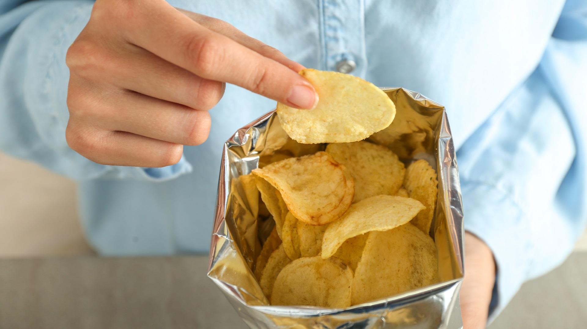 <p><strong>Няма да жадувате за вредна храна</strong></p>  <p>Също както тялото и мозъкът ви могат да бъдат обучени да жадуват здравословна храна, така могат да бъдат обучени и да не искат толкова вредна храна. Всъщност направо може да развиете неприязън към вредните храни и да се отвращавате, когато опитате нещо с прекалено много добавена сол или захар, или преработени храни.</p>