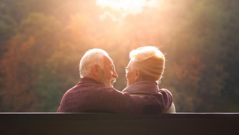 За октомврийската любов никога не е късно