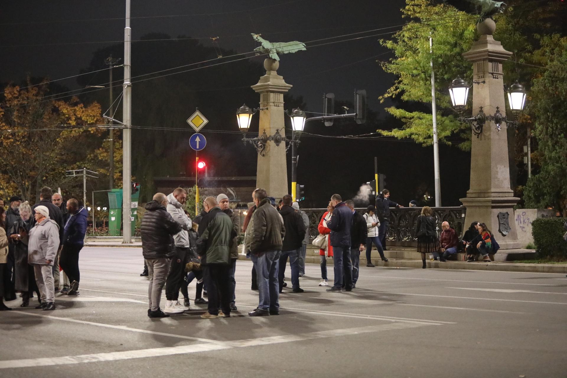 <p>112 вечери на антиправителствени протести</p>