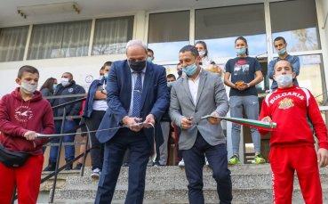 Зам-министър Андонов откри обновената сграда на СУ Ген Владимир Стойчев