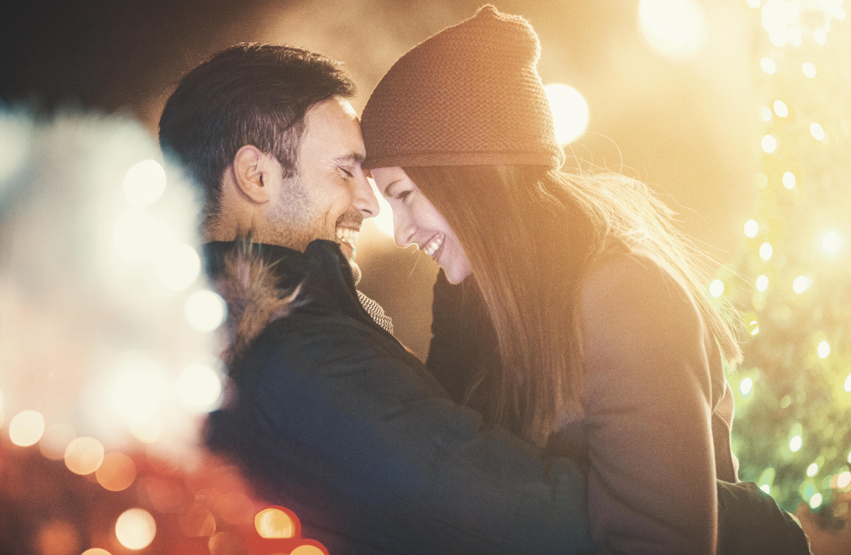 <p><strong>Лъв</strong><br /> Той е доминантен знак, но дълбоко в себе си е романтична душа. Можете да го спечелите с мил жест, а защо не и с романтична вечеря.</p>