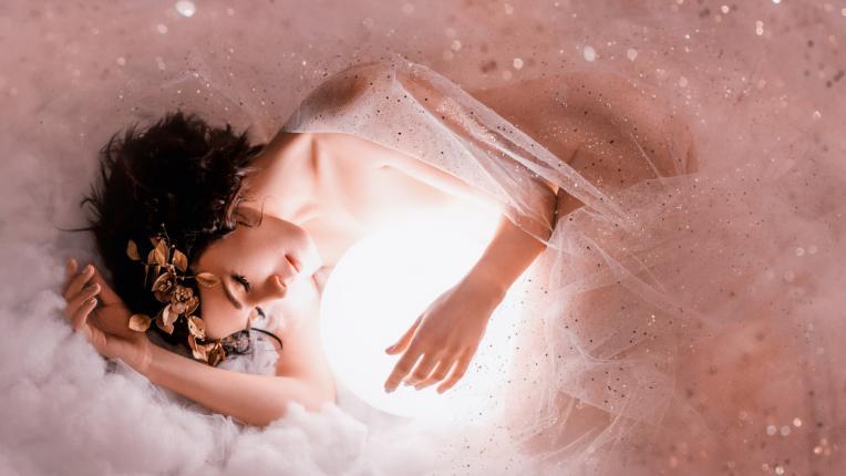 6 предупреждения от вселената, че скоро ще срещнеш любовта
