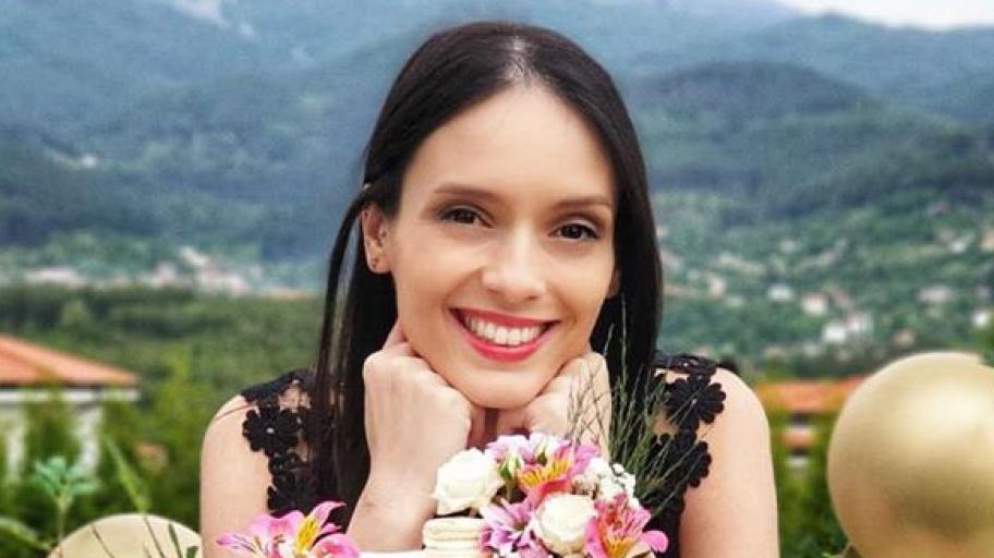 Майчини вълнения: Луиза Григорова със стилна погача за бебе Бран