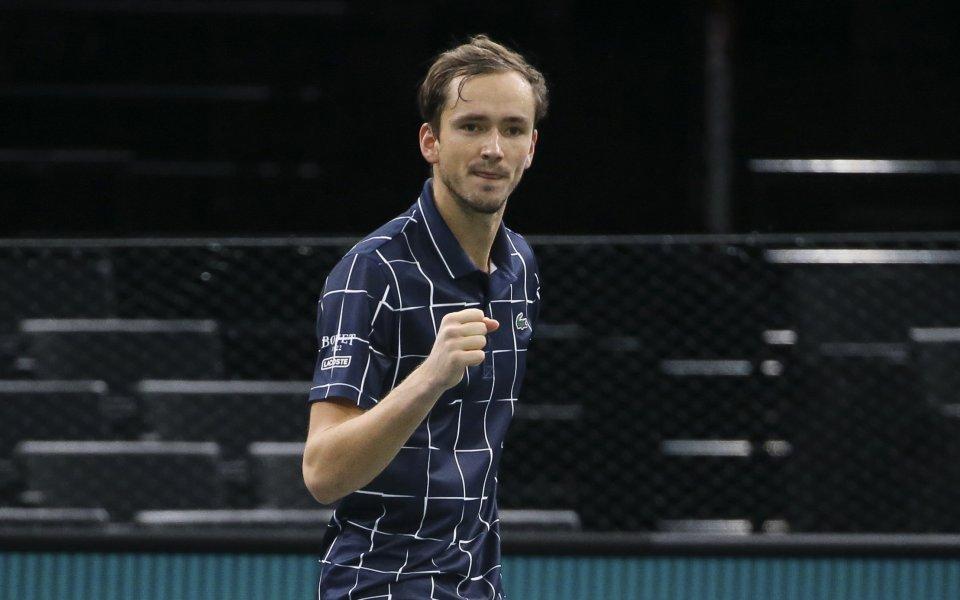 Медведев спечели Мастърса в Париж след зрелищен мач със Зверев