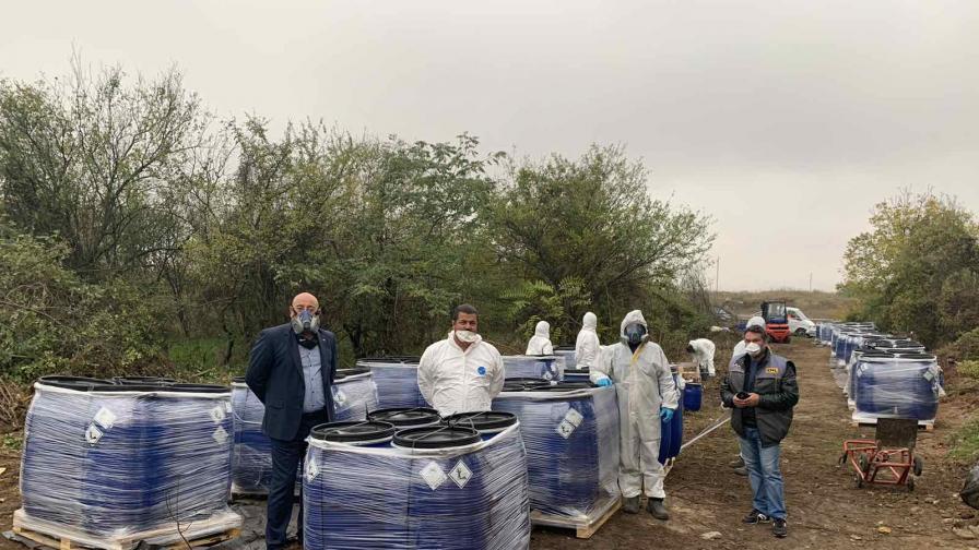 Опасно: Откриха теч на вода в склад със загробени пестициди