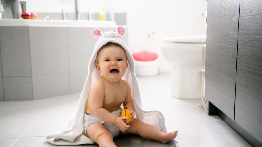Ритуалът по къпането на бебето - кошмар за новите родители