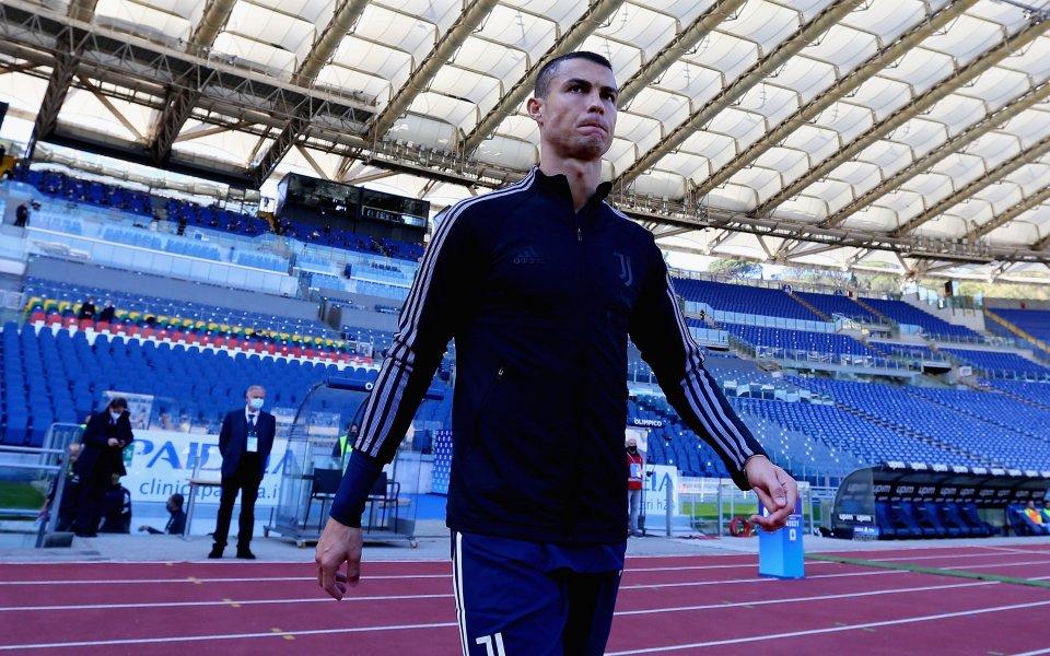 Кристиано Роналдо не спира да пише история във футбола. Головата