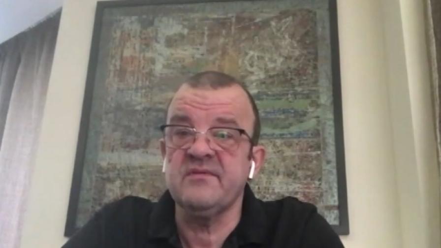 Костов: Пред аптеките има опашки заради заболеваемостта