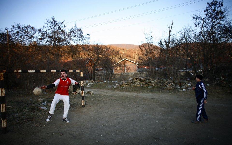 Огромен скандал на Балканите, спряха хандбалисти на граница