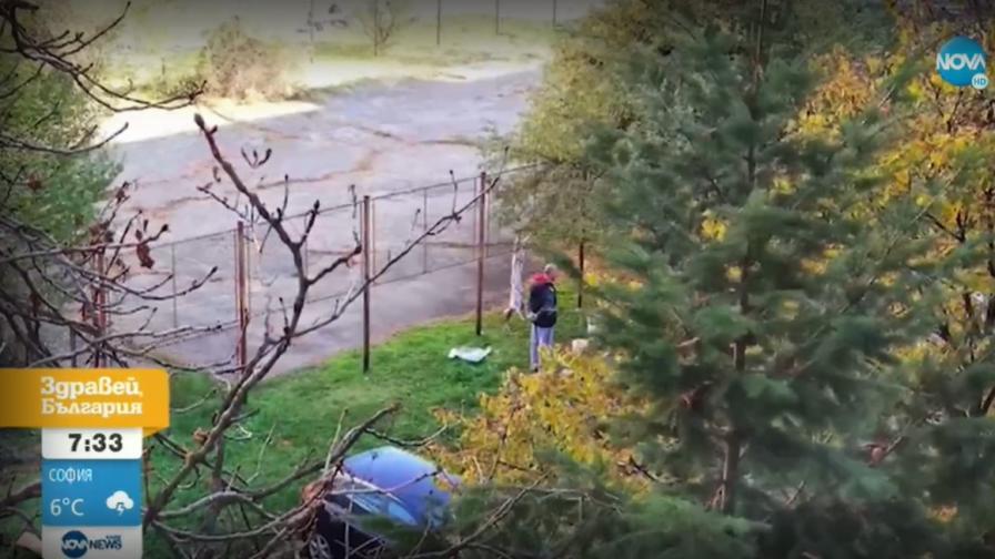 Мъж провеси агне на ограда - на метри от детска градина