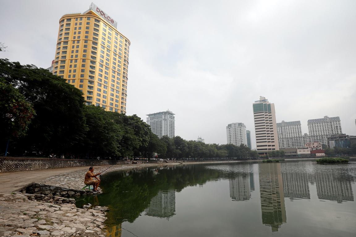 <p>Построен до езерото Giang Vo, 25-етажния хотел Dolce Hanoi Golden Lake в центъра на столицата на Виетнам, Ханой, е обявен за най-луксозния хотел в Югоизточна Азия</p>
