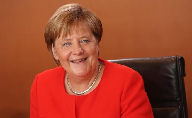 Меркел обяви блокирането на Тръмп за