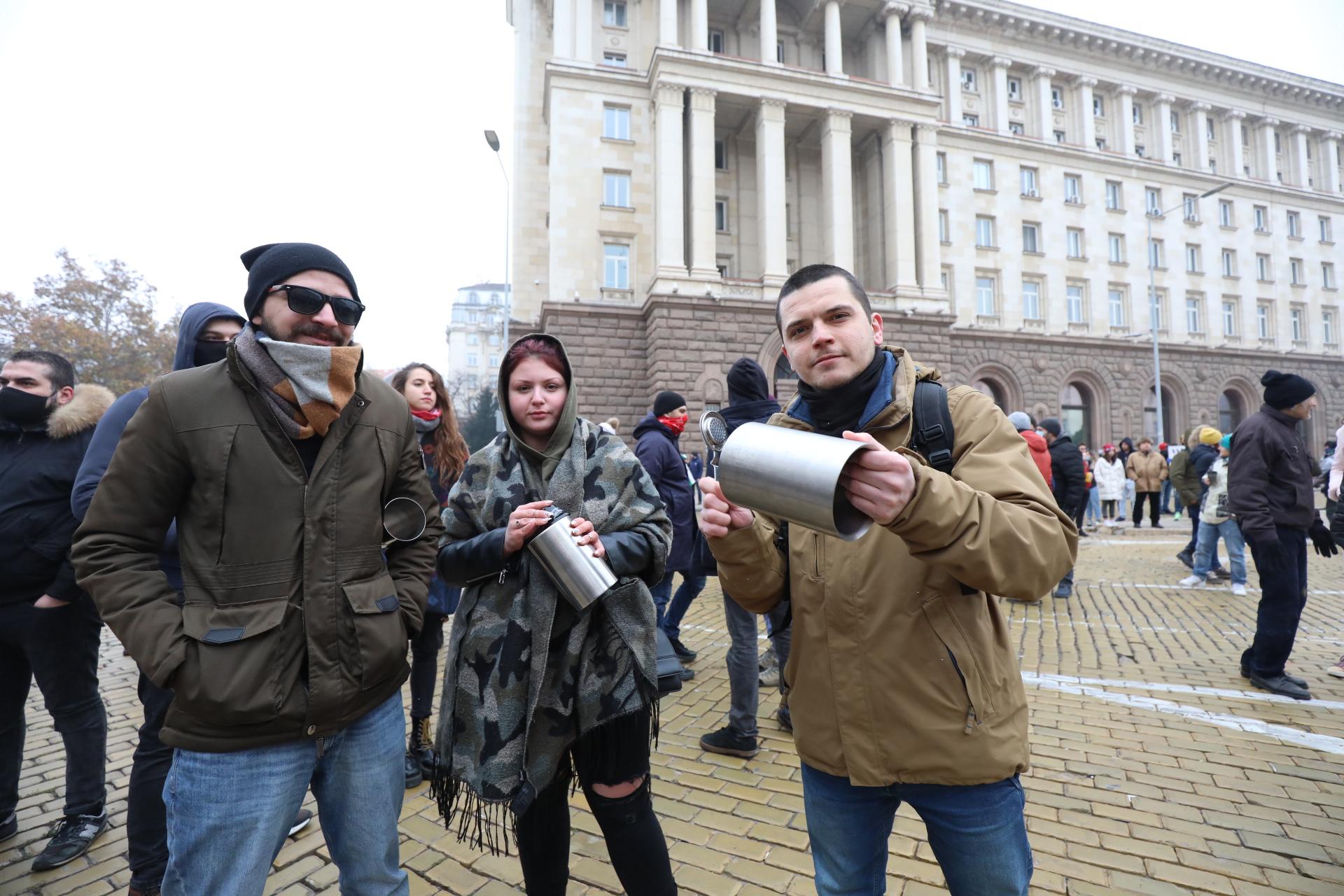 <p>Два протеста на жълтите павета днес</p>