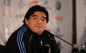 Шокиращо: Марадона починал беден, ограбили легендата