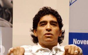 Юристът на Диего въстана - иска разследване на последните часове на Марадона