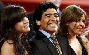 Бившият лекар на Диего разкритикува остро медиците на Марадона