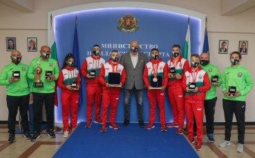 Красен Кралев награди медалистите от Европейското първенство по бокс