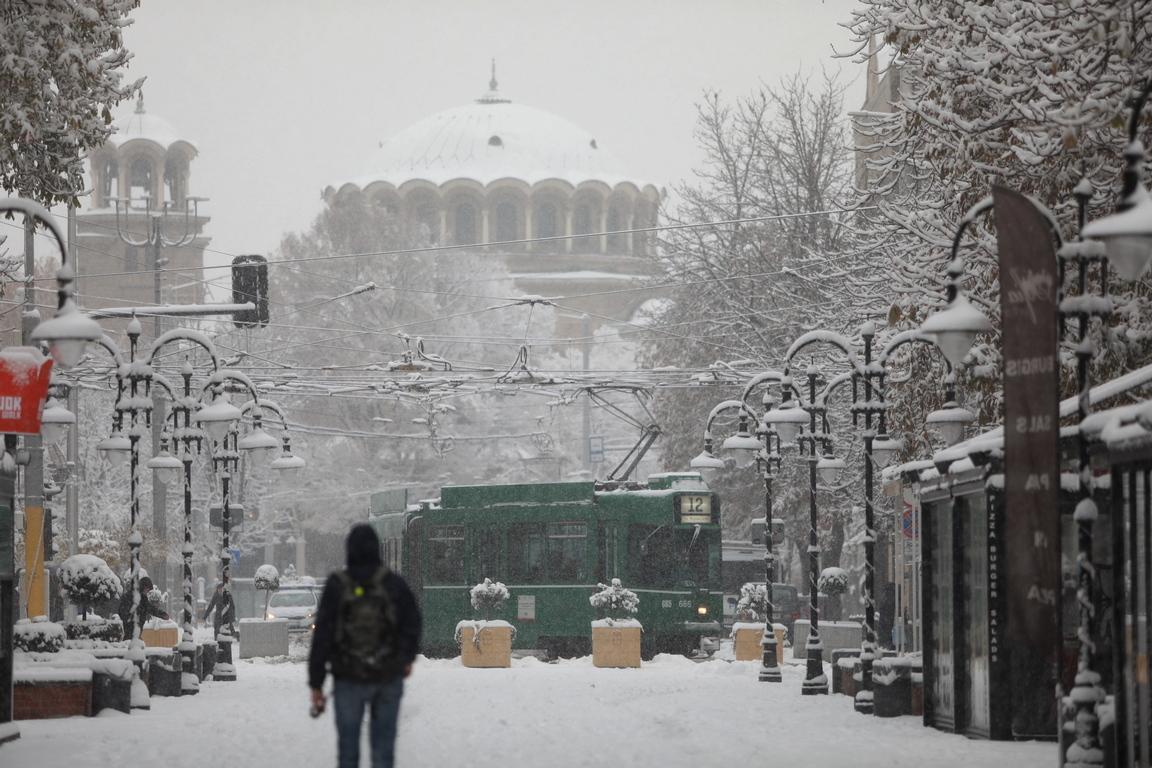 <p>Първи сняг в София за Андреевден</p>