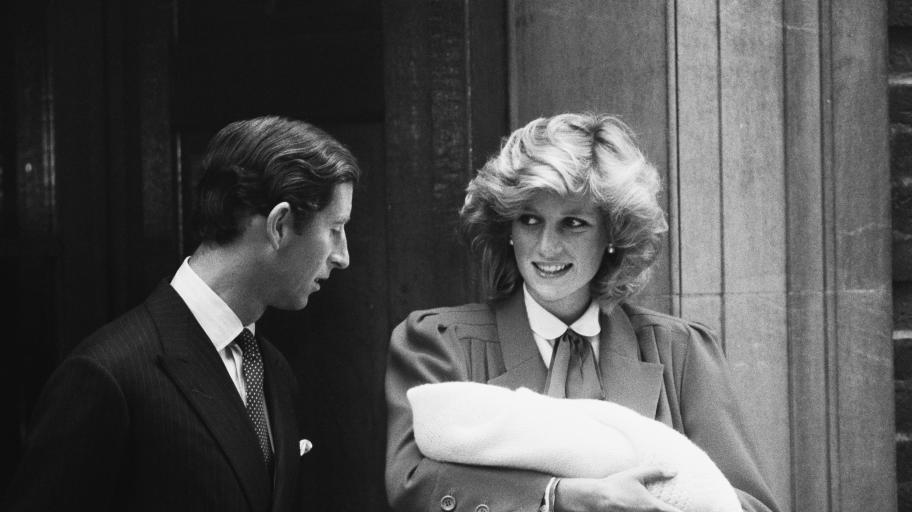 Щастие с 37 години разлика: как Меган и Хари почетоха принцеса Даяна при обявяването на бременността