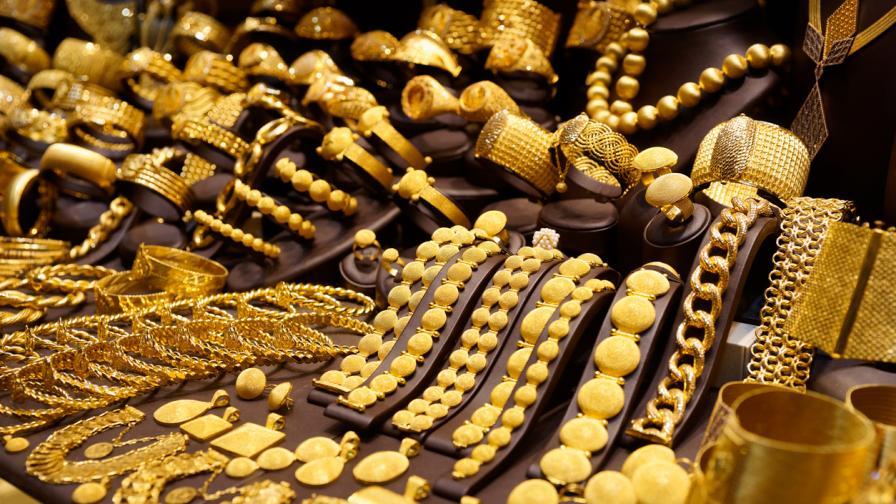 Защо в Турция масово се запасяват със злато