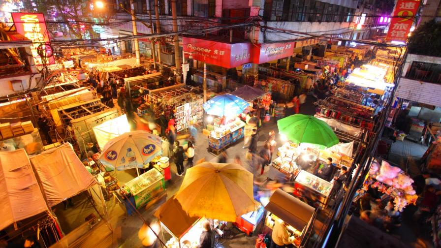 Какво се случва днес на пазара в Ухан, където се появи новият коронавирус