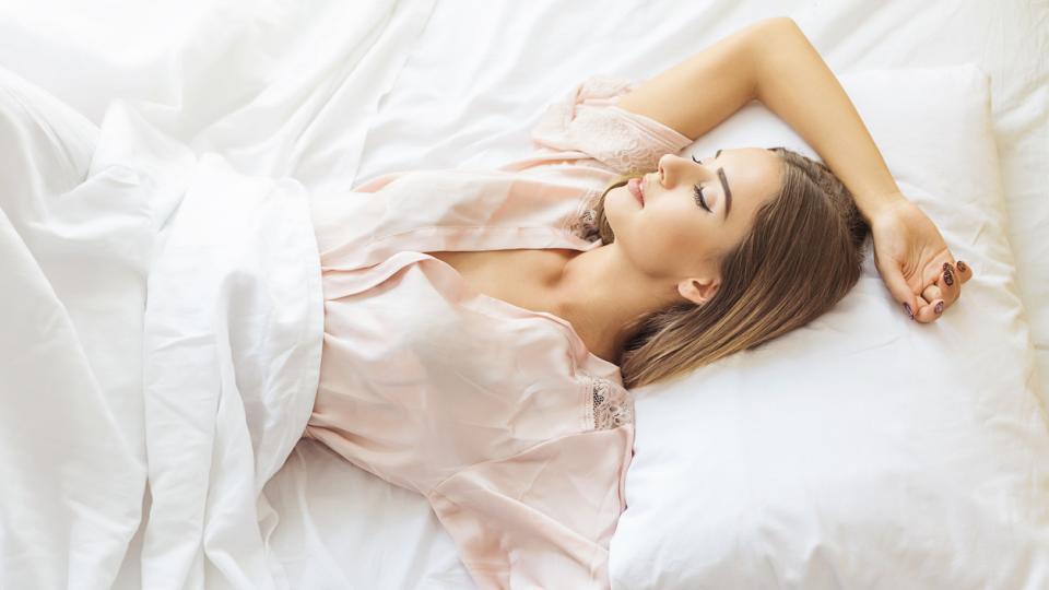 жена легло сън чашрафи