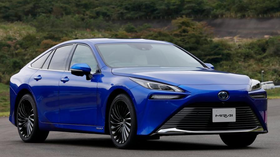 <p>Водородната Toyota Mirai идва с по-голям пробег</p>