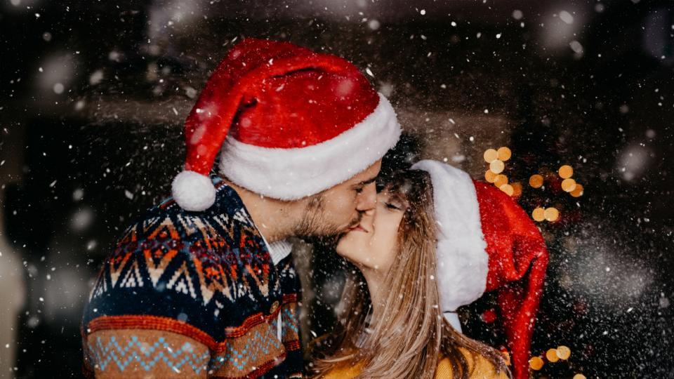 зима двойка любов коледа