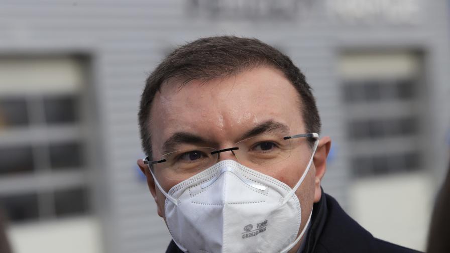 Ангелов е готов първи да се ваксинира срещу коронавируса