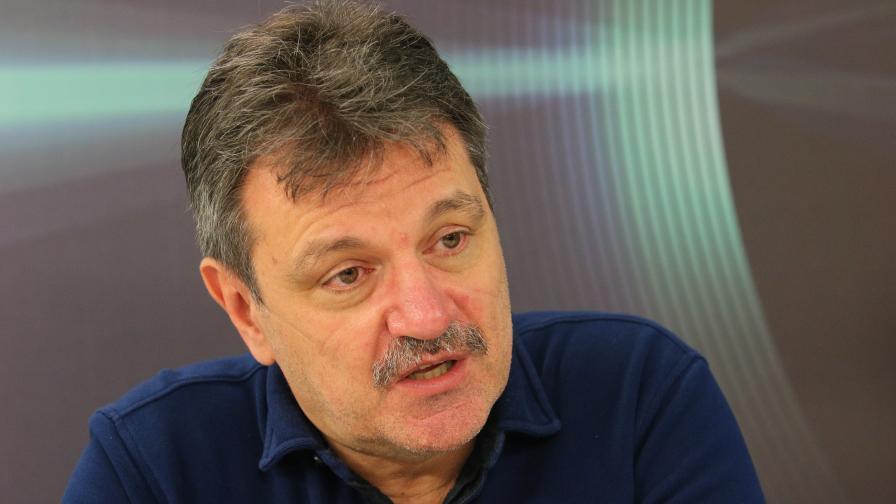 """Д-р Симидчиев: Този """"нов мутирал вирус"""" у нас беше установен още през април"""
