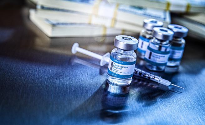 Митове и истини за COVID ваксините