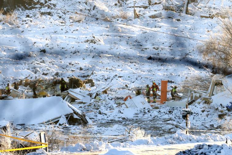 Четири жертви след свличането на хълм в Норвегия
