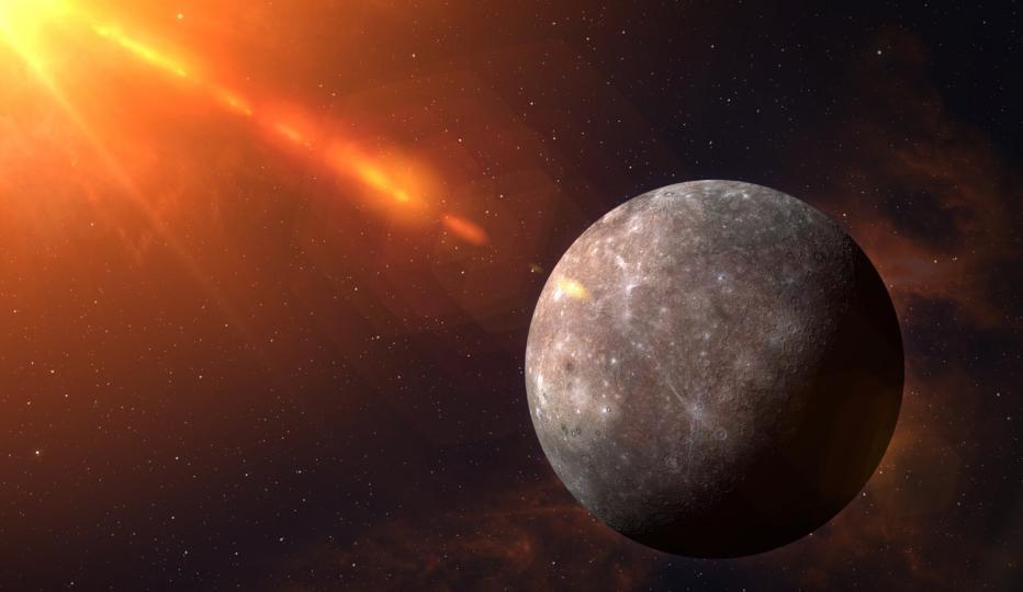 <p>Месецът завършва с една последна изненада. <strong>Ретроград</strong><strong>ният </strong><strong>Меркурий започва на 29 май</strong>, оцветявайки началото на юни със своята объркваща, но завладяваща енергия. Този ретрограден Меркурий ще бъде в знака на Близнаци, което го прави по-традиционен. Можете да очаквате много комуникационни грешки и разсейване, но можете да очаквате и доста гениални разкрития, които да произлязат от него.</p>