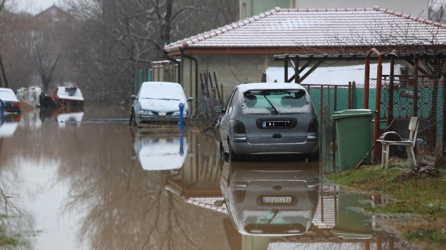 Наводненото село Петърч