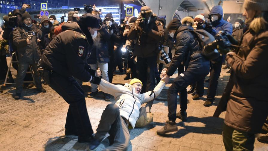 Алексей Навални беше задържан при...