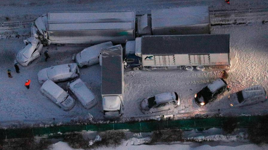 <p>Верижна катастрофа блокира 130 коли в Япония</p>