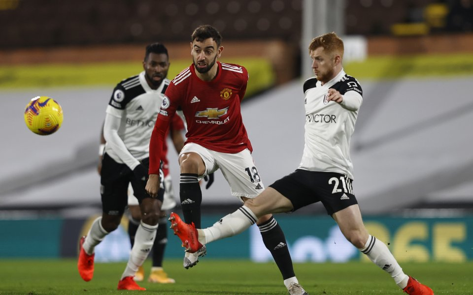 Фулъм и Манчестър Юнайтед играят при 1:0 в мач от