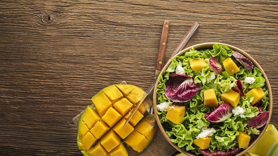 Вкуснa идея: Салата с хрупкаво телешко и манго