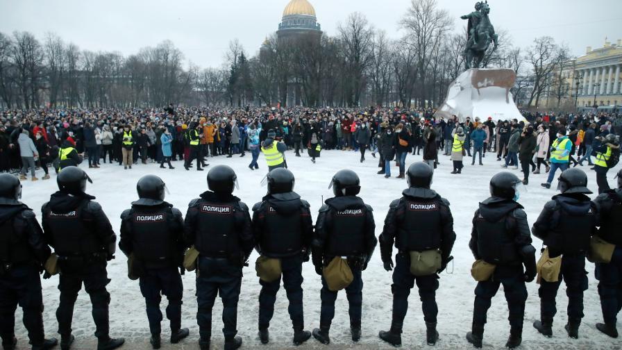 Протест срещу задържането на Алексей Навални в Санкт Петербург