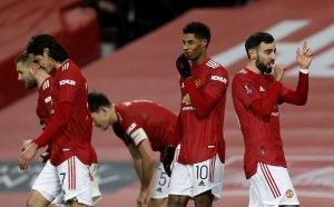 """НА ЖИВО: Манчестър Юнайтед - Ливърпул 3:2, греда за """"червените дяволи"""""""